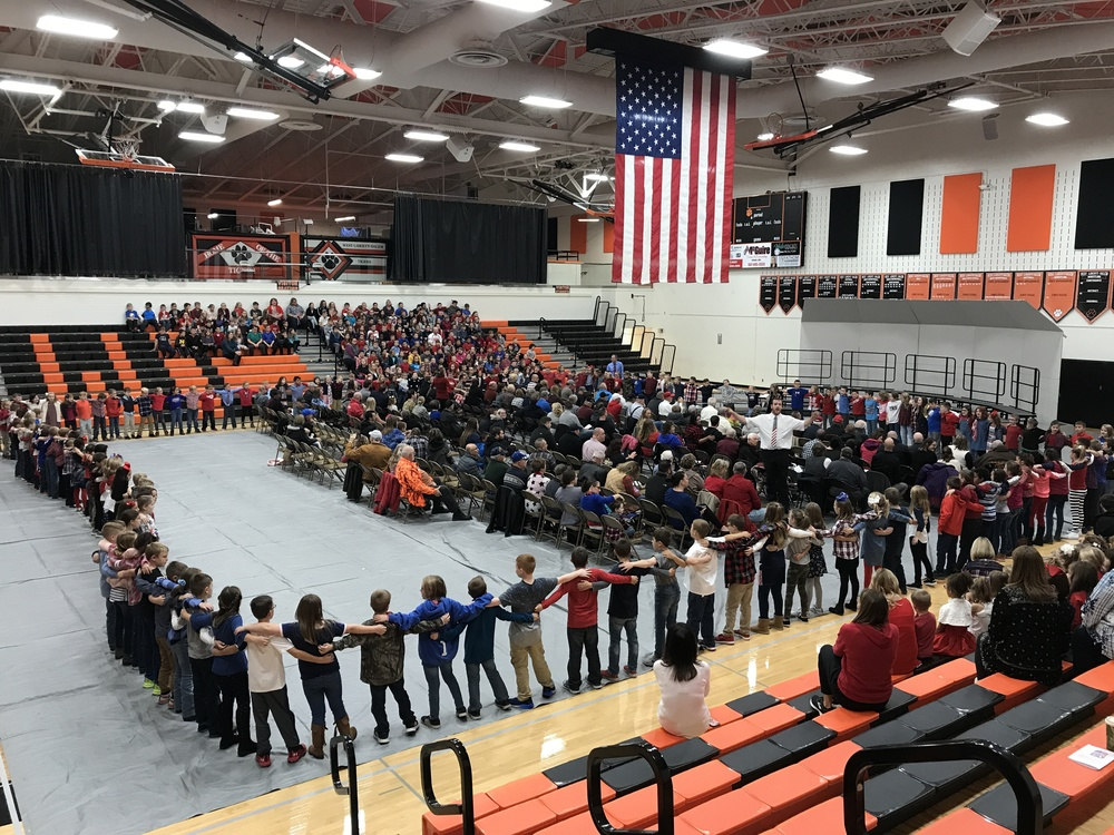 Elementary Students honor Vets in Special Veteran's Day Performance